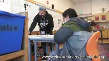 Programa ayuda a profesionales a convertirse en maestros en San Francisco - Telemundo Area de la Bahia