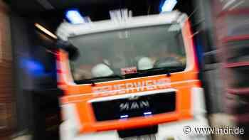 A1 bei Emstek: Wohnmobil geht in Flammen auf - NDR.de