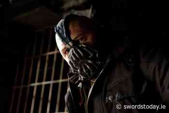 The Dark Knight Rises: Tom Hardy Explains the Origin of Bain's Voice - SwordsToday.ie