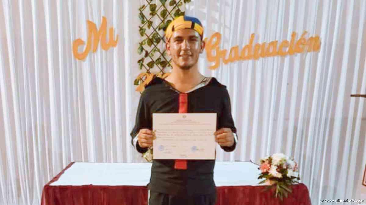 Quico, el vendedor de pelotas de Quiindy, se gradúa de docente - ÚltimaHora.com