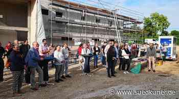 Engen: Richtfest für heiß ersehntes Gebäude: Engens neue Sporthalle nimmt Gestalt an - SÜDKURIER Online