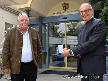 Lichtenfels: Kommunale Verdienstmedaille in Bronze für Christian Mrosek - Landrat Christian Meißner ehrt Redwitzer Altbürgermeister - Der Neue Wiesentbote