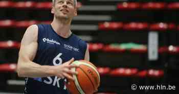 """Basket SKT Ieper pakt eerste overwinning van het seizoen tegen Spirou Charleroi: """"Basis al in het eerste quarter gelegd"""" - Het Laatste Nieuws"""