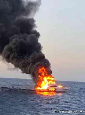 EN VIDEO: impresionante incendio consume una embarcación en Cabo San Lucas - Noticias La Paz