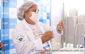 Cabo de Santo Agostinho inicia a aplicação da dose de reforço contra a Covid-19 em idosos - Diário de Pernambuco