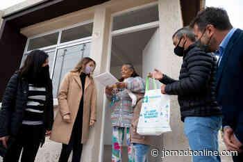 Entregaron nuevas viviendas a vecinos de la Ciudad de Mendoza - Diario Jornada Mendoza
