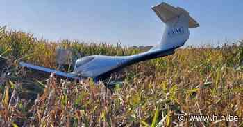 Sportvliegtuigje maakt noodlanding in maïsveld. Inzittenden kunnen zich redden - Het Laatste Nieuws