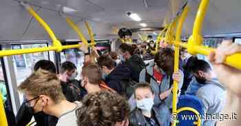 Il problema degli autobus per Povo: migliaia di studenti, mezzi strapieni, ma solo per un'ora al mattino - l'Adige - Quotidiano indipendente del Trentino Alto Adige