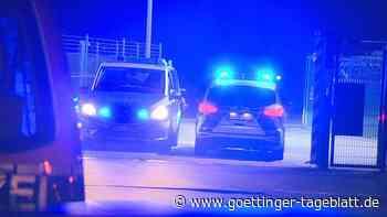 Auto durchbricht Flughafenzaun in Weeze: Passagierjet muss Landung abbrechen