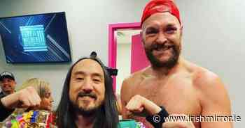 Tyson Fury parties on stage with DJ Steve Aoki after Deontay Wilder KO - Irish Mirror