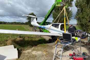 Takelen voor gevorderden: vliegtuig dat noodlanding moest maken uit maïsveld gehaald