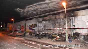 Unbekannte zünden Berliner Obdachlosencamp an