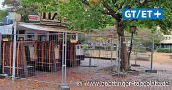 Vandalismus am Küchengartenplatz – Gastronomen sichern Restaurant mit Bauzaun