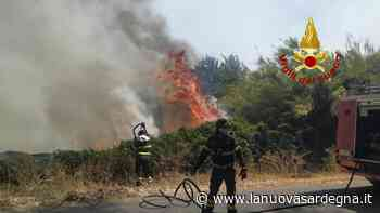 Incendio a Santu Lussurgiu, squadre ancora al lavoro per la bonifica - La Nuova Sardegna