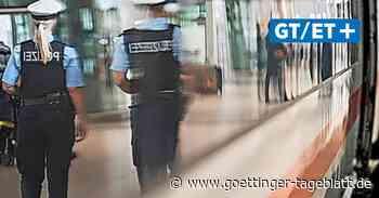 Maskenverweigerer wütet in der Wache der Bundespolizei