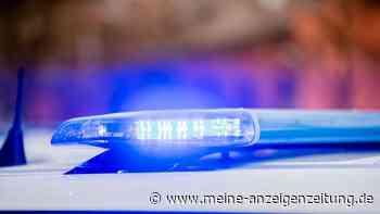 Unfall an Tankstelle: Unbekannter fährt mit Zapfpistole im Auto davon