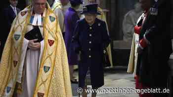 Queen geht am Stock: Elisabeth II. nutzt erstmals Gehhilfe in der Öffentlichkeit
