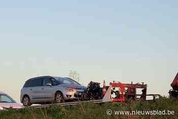 Motorrijder gewond na botsing op A19 - Het Nieuwsblad