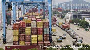 China: Exporte boomen unerwartet - Konjunktur gerät dennoch unter Druck