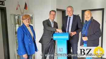 Rumänienhilfe dankt den Wendeburgern mit Skulptur