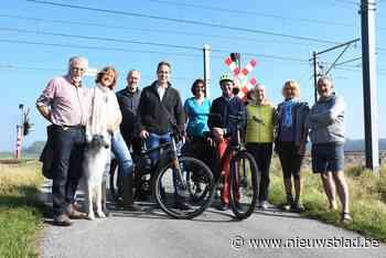 Buurtcomité pleit voor voetgangerstunnel onder spoorlijn in ... (Diksmuide) - Het Nieuwsblad