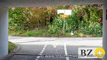 Berliner Brücke: Radler ärgert sich über versteckte Schilder