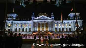 Großer Zapfenstreich vor dem Reichstagsgebäude zu Afghanistan-Einsatz