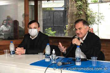 Florencio Varela: Julio Pereyra, con vecinos de Ingeniero Allan - Cuatro Medios
