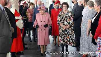 Wieder mit Gehstock: Queen eröffnet walisisches Parlament