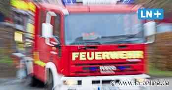Paket geht in Flammen auf: Feuerwehreinsatz in Lübecker Postzentrum