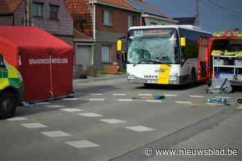 Fietser (39) overleden na aanrijding met bus