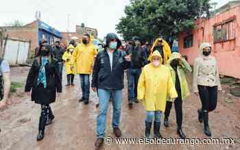 Alcalde de Durango entregas apoyo a familias vulnerables por intensas lluvias - El Sol de Durango