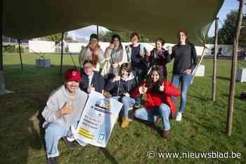 """Vriendenkring wil sociale cohesie tussen school en buurt versterken met wintermarkt: """"Stigma rond autisme doorbreken"""""""