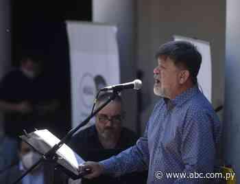 Ricardo Flecha canta en Villarrica, de mano de la guarania - ABC Color