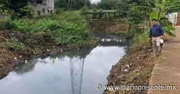 Realizan trabajos de limpieza en dren de Villa Playas del Rosario; eran afectados por las fuertes lluvias - Diario Presente