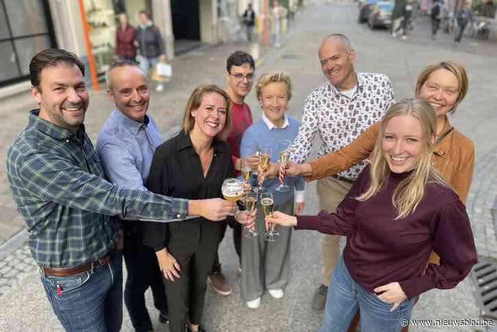"""<I>Cheers!</I> Toeristische ondernemers toosten op (beloofde) terugkomst Britten, maar scholen moeten wachten: """"Eindelijk weer een normale Wapenstilstand"""""""