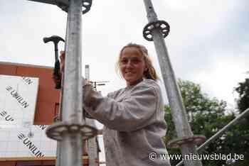"""Metser Julie (32) neemt deel aan nieuw programma 'Klopjacht': """"Mijn kinderen zijn benieuwd of ik het goed heb gedaan"""""""