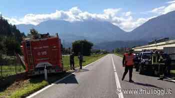 Tolmezzo, si scontra con il camion dei vigili del fuoco e finisce in ospedale - Friuli Oggi