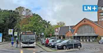 Streit um Busse, Barrierefreiheit und Bäume am Travemünder Strandbahnhof