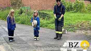 Spielerisch lernen Bettmarer Kinder Neues über Feuerwehr