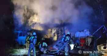Caravan, minibus en auto branden uit bij depanneur - Het Laatste Nieuws