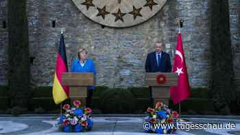 Merkel für Fortführung des Flüchtlingsabkommens mit der Türkei