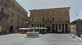 Urbino, denunciati due operai per furto con destrezza: rubato un portafogli con 1000 euro - Centropagina