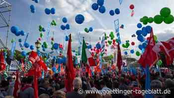 Nach Ausschreitungen in Rom: Zehntausende demonstrieren gegen Faschismus