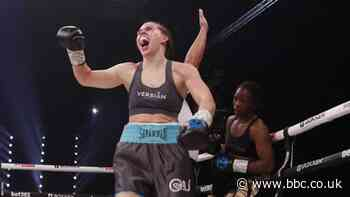 Marshall stops Muzeya in emphatic victory to defend world title