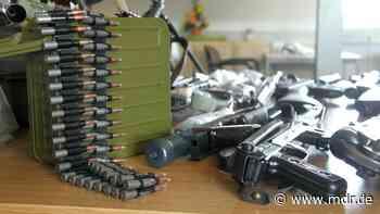 Dresden: Anklage gegen Niederländer wegen unerlaubten Waffenhandels - MDR