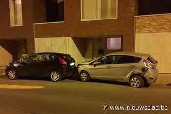 Dronken jongeman botst tegen geparkeerde wagen en rijdt verder