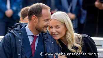Kronprinzessin Mette-Marit: Sie kämpft mit den Tränen – Haakon muss trösten