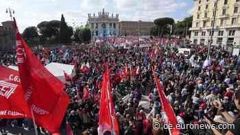 Nach Neo-Nazi-Angriff auf Gewerkschaft: Zehntausende demonstrieren in Rom gegen Faschismus - Euronews