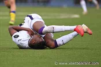 """Kouamé laat zich met overtuiging uit over penaltyfase: """"Tuurlijk raakt hij mij!"""""""